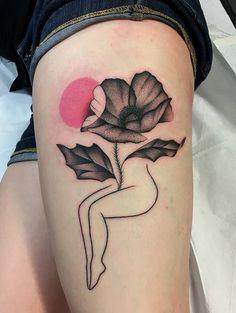 Com flores, folhas e traços delicados, o tatuador Mariusz Trubisz representa a beleza da silhueta feminina - Follow the Colours