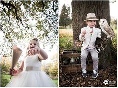 #inspiratie #huwelijk #trouwen #bruiloft #landelijk #vintage #roze #trouwthema #herfstbruiloft #buitenbruiloft #kortetrouwjurk #trouwjurk #styledfotoshoot #bruidsboeket #ladder #appelboom #enveloppendoos #trouwdag #bruidskinderen #schattig #trouwballonnen #groteballonnen #lief #uil #uildietrouwringenbrengt #rozenblaadjes #bruidsjonker