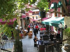 Cezayir Sokağı, also known as La Rue Française, is famous for its pubs and restaurants playing live music.