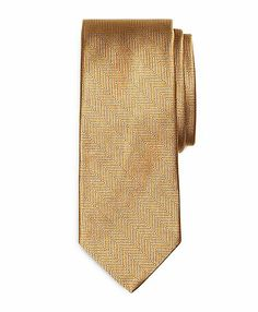 This is the one!!!! The groom's Gold tie. :D