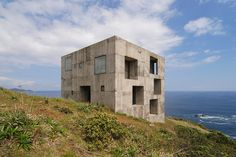Casa Poli : By Pezo von Ellrichshausen Arquitectos