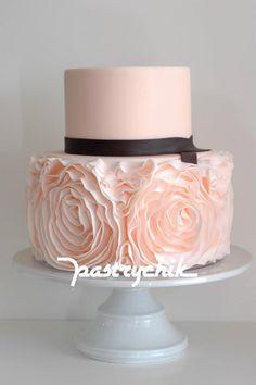 pink ruffle wedding cake Rose Cake, Peony Cake, Fancy Cakes, Pink Cakes, Blush Roses, Blush Pink, Blush Color, Pink Ruffle Cake, Ruffled Cake