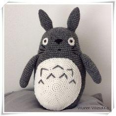 Viluinen Villasukka: Virkattu Totoro