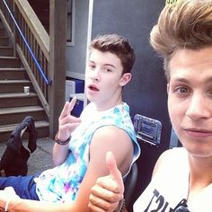 Shawn mendes and James Mcvey from the vamps Omg