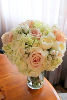 Rose and hydrandea bouquet