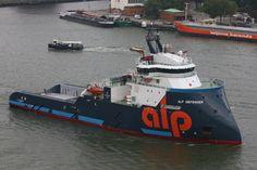 http://koopvaardij.blogspot.nl/2017/09/10-september-2017-eerste-aankomst-in.html    10 september 2017 eerste aankomst in haar thuishaven op de Nieuwe Maas, ALP DEFENDER  meerde af op de kop van de Holland Amerikakade