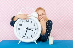 Is Hypothyroidism to Blame for Your Insomnia? Fitness Tips For Men, Mens Fitness, Home Health, Health Tips, Sleep Better Tips, Insomnia Causes, How To Treat Anxiety, How To Stay Awake, Sleepless Nights