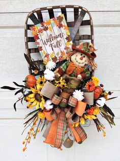 Fall tobacco basket scarecrow wreath, scarecrow tobacco basket, tobacco basket with wreath, tobacco basket wall decor, best door decor Thanksgiving Wreaths, Fall Wreaths, Deco Mesh Wreaths, Thanksgiving 2020, Halloween Wreaths, Tobacco Basket Decor, Fall Deco Mesh, Scarecrow Wreath, Fall Door Decorations