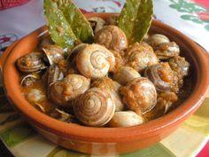 Antipasto, Snails Recipe, Salsa Picante, Sprouts, Vegetables, Fruit, Recipes, Food, Gastronomia