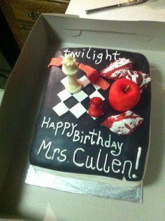 twilight cake. I want it for my birthday!