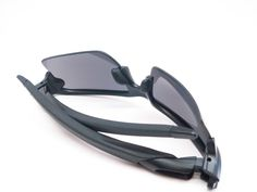 76cc1c5c3558a Features of the Oakley Flak 2.0 XL OO9188-01 Sunglasses - Engineered of  light weight