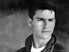 Tom Cruise looks like Curtis in this pic