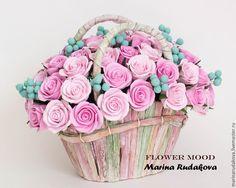 Розы в корзине - Flower mood (Марина Рудакова) - Ярмарка Мастеров http://www.livemaster.ru/item/10388409-tsvety-floristika-rozy-v-korzine