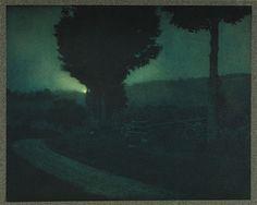 Edward Steichen, Road into the Valley, Moonrise, 1906 Edward Steichen, History Of Photography, Dark Photography, Landscape Photography, Street Photography, Portrait Photography, Fashion Photography, Wedding Photography, Nocturne