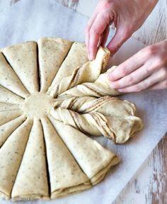 Kanelipulla on yksi parhaimpia leivonnaisia Baking Recipes, Cake Recipes, Finnish Recipes, Delicious Desserts, Yummy Food, Bread Bun, Sweet Pastries, Food Tasting, I Foods