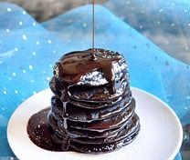 Awesome healthy pancake recipes in flavors like Strawberry Shortcake or Brownie Batter :)