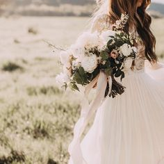 Just love this widely romantic bouquet by @madison.murdock and captured so perfectly by @indiaearl (moody magic ) #silkribbon #silkandwillow by silkandwillow