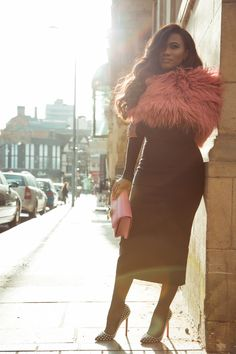 Love the shot and the fashion!