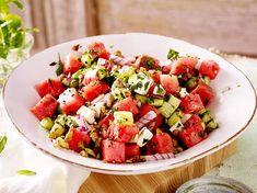Saftig, würzig und voller Aroma! Unser bestes Rezept für Wassermelonen-Salat zum Nachmachen.