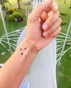 Star Tattoo On Wrist, Small Star Tattoos, Tiny Wrist Tattoos, Wrist Tattoos For Women, Tattoos For Guys, Bird Tattoos, Tattoo Spots, Cute Stars, Arrow Tattoos