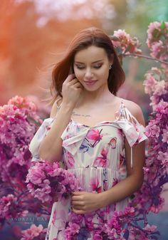 Klaudia Artistic Portrait Photography, People Like, Professional Photographer, Your Photos, Ruffle Blouse, Formal Dresses, Model, Sundresses, Fashion