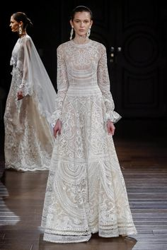 Naeem Khan 2017 long sleeves lace modest wedding gown