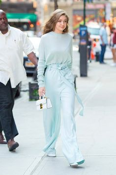 Gigi Hadid Has Been Carrying This Adorable Summer Bag All Week