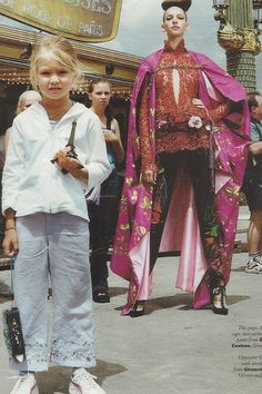 Gigi Hadid is a name in the world of fashion. At the age of five, She photobombed one of the French Vogue magazines photoshoot. Vogue Models, Img Models, Runway Fashion, Fashion Models, Fashion Beauty, Gigi Hadid 2014, Vogue Magazine Covers, Vogue Paris, World Of Fashion