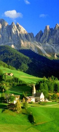 """Santa Maddalena Church, Funes, Odle,                                     Dolomites, Italy """"It's and Amazing World, You should See It!""""              Makemoney.paycation.com"""