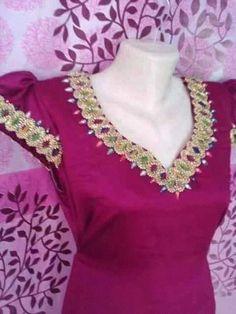 Robe de mainson Plus Size Patterns, Lace Tunic, Abaya Fashion, Neck Pattern, Designer Wear, Traditional Outfits, White Lace, Dressing, Womens Fashion