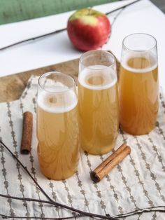 Apple Cider Champagne Cocktails from Dishing up the Dirt. My three favorite beverages: apple cider, whiskey, and champers. Party Drinks, Cocktail Drinks, Fun Drinks, Yummy Drinks, Cocktail Recipes, Alcoholic Drinks, Beverages, Cider Cocktails, Fall Cocktails
