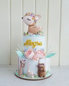 Extraordinary Baby Shower Cakes - Kuchen und Deco - Baby Tips Baby Cakes, Baby Shower Cakes, Gateau Baby Shower, Baby Boy Shower, Cupcake Cakes, Baby Shower Cake For Girls, Baby Shower Cake Decorations, 2nd Baby Showers, Fondant Cakes