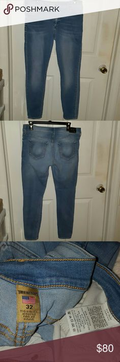 True religion jean for women Beautiful jean in good conditiion, 100% authentic. Halle super skinny denim are perfect for showing off curves, 93% cotton. No trades. True Religion Jeans Skinny