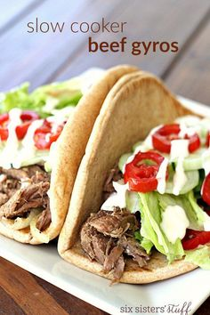 Slow Cooker Beef Gyros - After cooking all day, the flavorful meat is so tender that it practically falls apart! Crock Pot Slow Cooker, Crock Pot Cooking, Slow Cooker Recipes, Crockpot Recipes, Cooking Recipes, Crock Pots, Cooking Ideas, Tostadas, Deserts