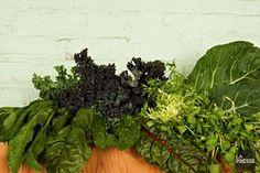 Saviez-vous que les légumes verts feuillus sont les champions de la densité nutritive? Pour la nutritionniste Anne-Marie Roy, c'est la raison pour laquelle il faut en consommer chaque jour, sans exception.