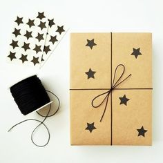 Gifts Wrapping Birthday Brown Paper 69 Ideas wrapping ideas for birthdays Elegant Gift Wrapping, Creative Gift Wrapping, Present Wrapping, Easy Gift Wrapping Ideas, Gift Wrapping Ideas For Birthdays, Birthday Gift Wrapping, Christmas Gift Wrapping, Birthday Presents, Christmas Trees For Kids