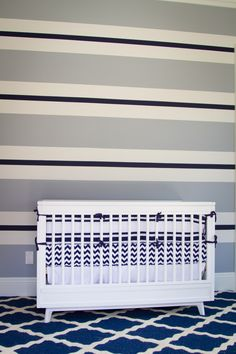 Blue-striped accent wall - so preppy!