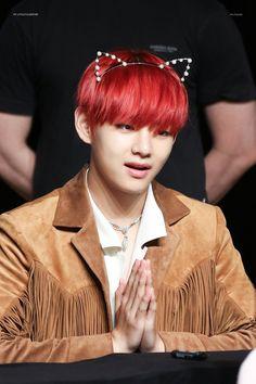 Esse cabelo maravilhoso mds Namjoon, Jimin Jungkook, Bts Bangtan Boy, Seokjin, Hoseok, Taehyung Red Hair, Kim Taehyung, Rap Monster, Chanyeol