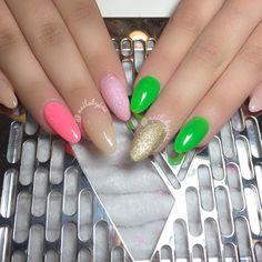 Sisters  #nailsmag #nailpromagazine #nailit #nailswag #nailpro #nailporn #nailartist #nailfrenzy #nailsfetish #nailtastic #nailartistry #nailporn #naildesigns #NailArtistOnWheelz #nailicious #glitter #nailbling #showmethemani #valentinobeautypure