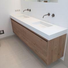 Badkamer meubel van Eiken op maat gemaakt door. www.maekmeubels.nl