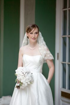We're seriously in love with this bride! Gown by alynebridal.com, Photography by eauphoto.com