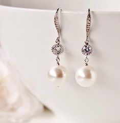 Bridal Earrings, Pearl Drop Earrings, Bridesmaid #weddingjewelry #pearlearrings #bridaljewelry #bridalearrings #swarovskipearls #pearljewelry #bridesmaidearrings #weddingearrings #whiteivory #pearlbridalearring #pearldropearrings #pearl #bridesmaidgift