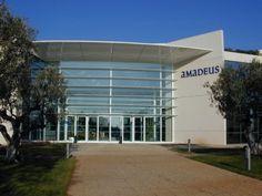 Amadeus a realizat în ultimele luni mai multe achiziţii: la începutul anului a achiziţionat Newmarket pentru a creşte în afacerea hoteliera, UFIS Airport pentru a creşte în sectorul aeroporturilor ...