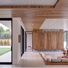 f877729c758d8e4fafec517ba2e3f202.jpg (640×642) Timber Ceiling, Wooden Ceilings, Recessed Ceiling, Modern Interior, Interior Architecture, Home Interior Design, Contemporary Architecture, Contemporary Design, Amazing Architecture