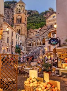 Amalfi Coast Italy, Regions Of Italy, Vintage Italy, Visit Italy, Barcelona Cathedral, Places To Visit, Building, World, Amazing