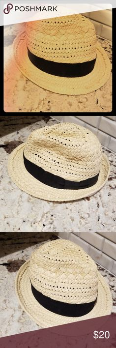 NWOT J Crew Straw Fedora New, never used. J. Crew hat. Straw fedora with black ribbon. I took the tags off when I bought it but only tried on. I just haven't gotten to use it yet and someone should be having fun in it! J. Crew Accessories Hats