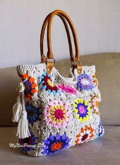 Crochet granny squares handbag with tassels and genuine leather handles, shopper bag, crochet tote, fashion spring summer handbag 2014 Bag Crochet, Crochet Shell Stitch, Crochet Handbags, Crochet Purses, Love Crochet, Crochet Crafts, Crochet Projects, Crochet Summer, Crochet Ornaments