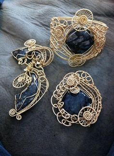 Wire weave llanite pendant and bracelet and Picasso marble pendant. - Art Jewelry Magazine - Jewelry Projects and Videos on Metalsmithing, Wirework, Metal Clay