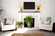 Decorating your fireplace in the summer is definitely an easy way to make a big focal point in your space super pretty. And there are a ton of great ideas that can make this home feature totally valuable throughout the warmer months.