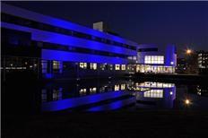 Stadhuis Purmerend #LightItUpBlue at night